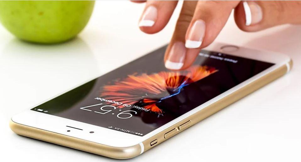 Apple se prilagođava korona krizi i kreće s prodajom jeftinog iPhonea