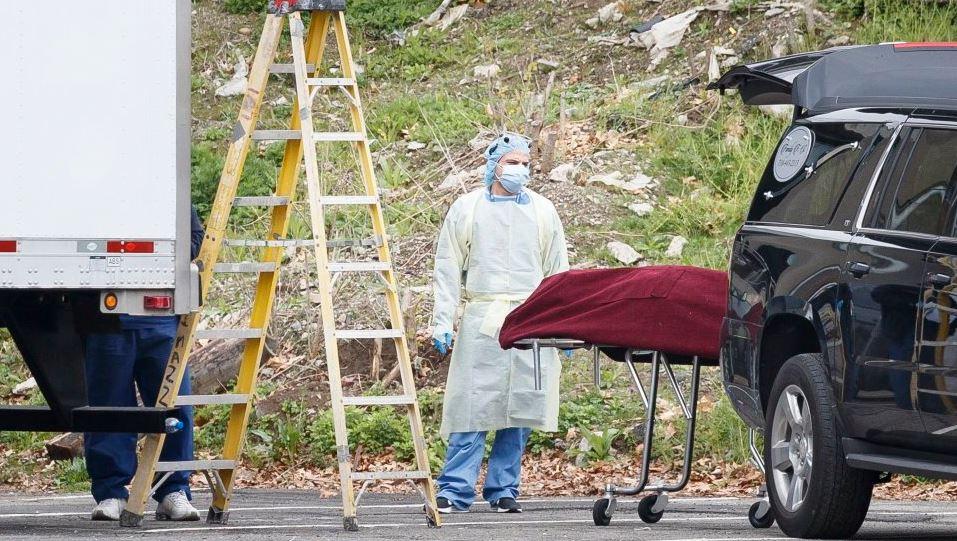 Znanstvenici tvrde: Mrtav čovjek može prenijeti koronavirus živom!