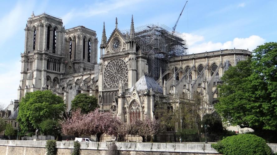 """U ponedjeljak """"postupan nastavak"""" radova na Notre-Dameu u Parizu"""