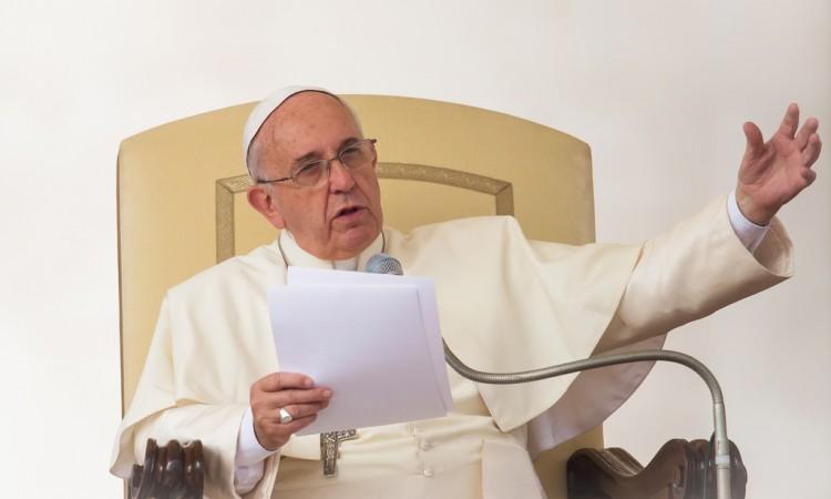 Papa: Čovječanstvo je na putu samouništenja
