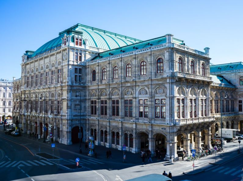 Zvuči nevjerojatno podatak da gotovo trećina Bečana nema austrijsku putovnicu