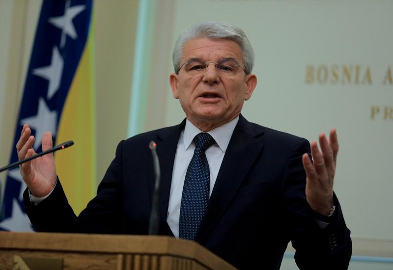 Džaferović: Najvažnije da smo dobili respiratore, Novalić je vrijedan čovjek