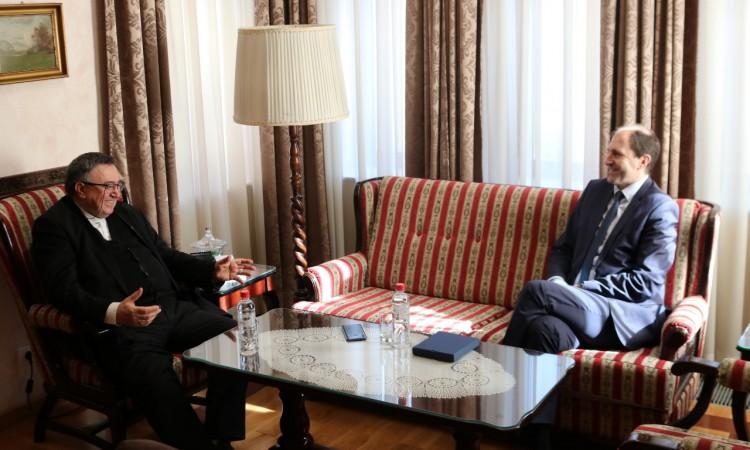 Nenadić i kardinal Puljić pozvali stanovnike da poštuju date naredbe