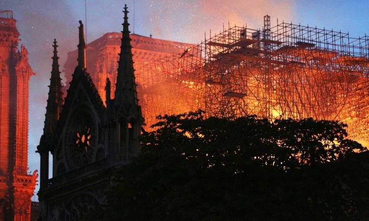 Nastavljeni građevinski radovi na obnovi Notre-Damea
