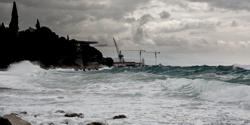 Crveni alarm u Hrvatskoj, na otocima oluje