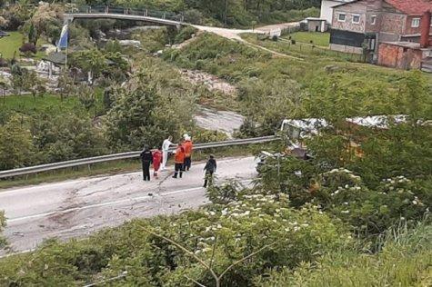 Teška prometna nesreća: Poginule dvije osobe