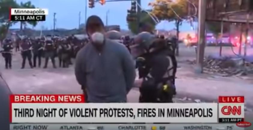 (VIDEO) Novinar CNN-a uhićen tijekom javljanja uživo s prosvjeda u Minneapolisu