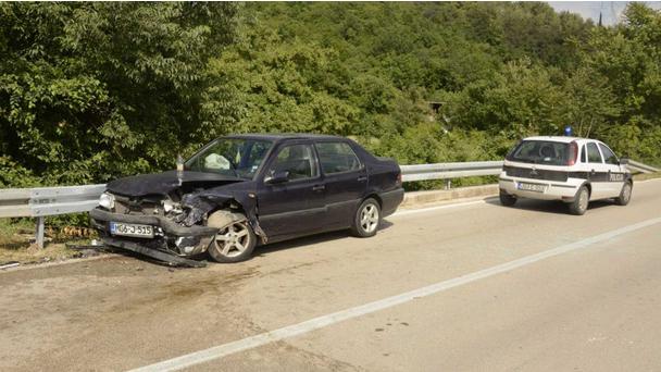 Tri osobe ozlijeđene u prometnoj nesreći kod Mostara