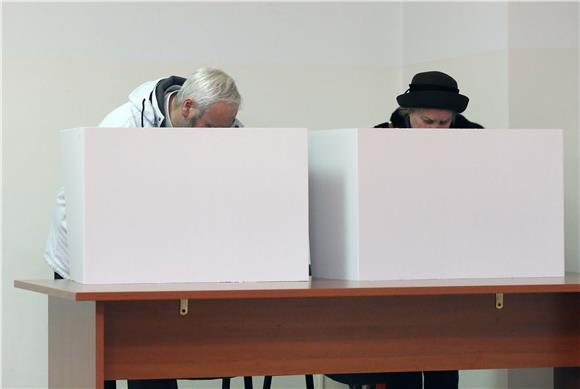 Korona nije zaustavila Hrvate, dobar odaziv na izborima