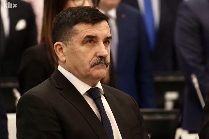 """Lovrinović zatražio da se utvrdi Izetbegovićeva odgovornost zbog izjava o aferi """"Respiratori"""""""