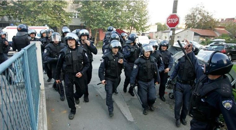 Kaos u Vukovaru inicirao je napad Delija na BBB-a koji je šetao s obitelji