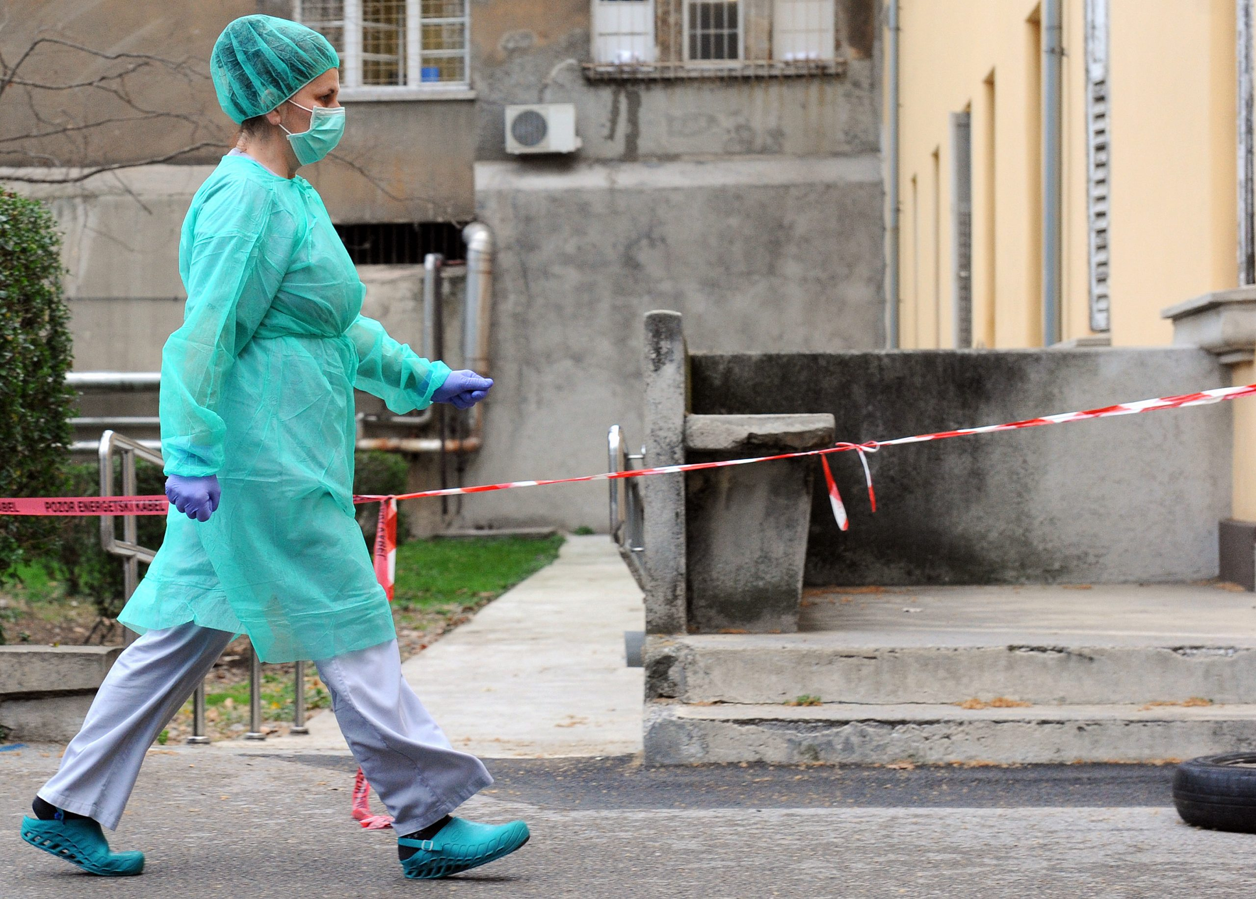 BiH: Zaražena koronom pobjegla iz izolacije otišla na posao