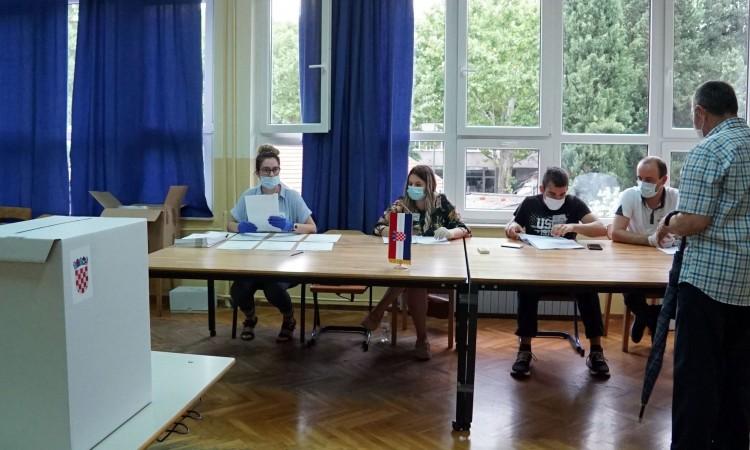 Zatvorena birališta u Mostaru, izlaznost dobra