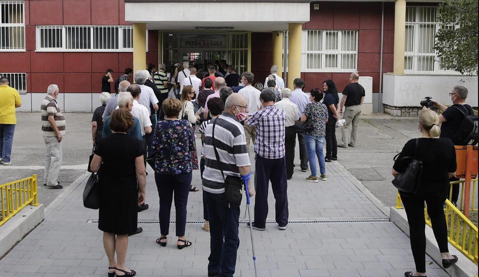 Otvorena birališta za Hrvatski sabor i u BiH