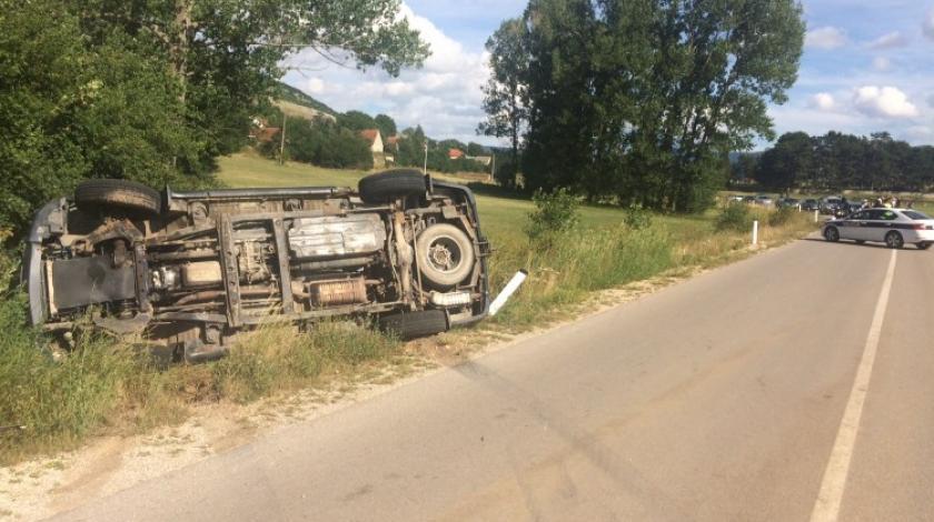 U sudaru dvaju vozila kod Tomislavgrada dvije osobe teže ozlijeđene