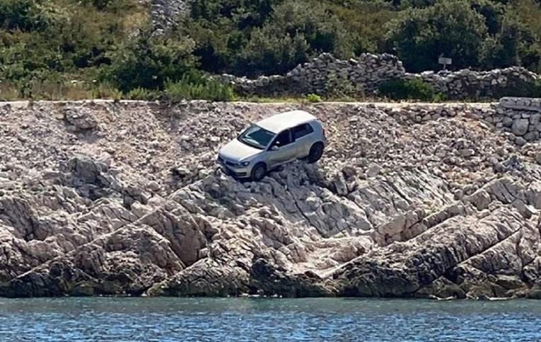 """Fotografija Pola izazvala gomilu reakcija: """"Prvi red do mora…"""""""