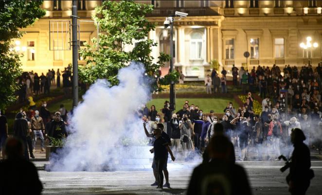 Srbija je država kojoj se proteklih 30 godina neprekidno 'događa narod'