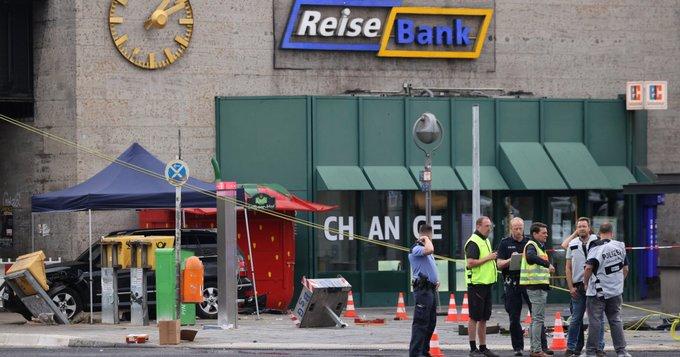Berlin: Automobilom se zabio u gomilu ljudi, sedmero ozlijeđenih