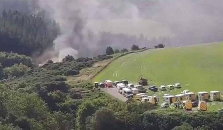 Troje mrtvih i šestero ozlijeđenih u teškoj željezničkoj nesreći u Škotskoj