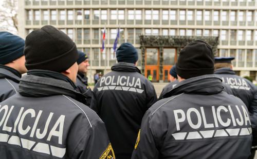 Zabranjena sva javna okupljanja u grupama većim od 50 ljudi