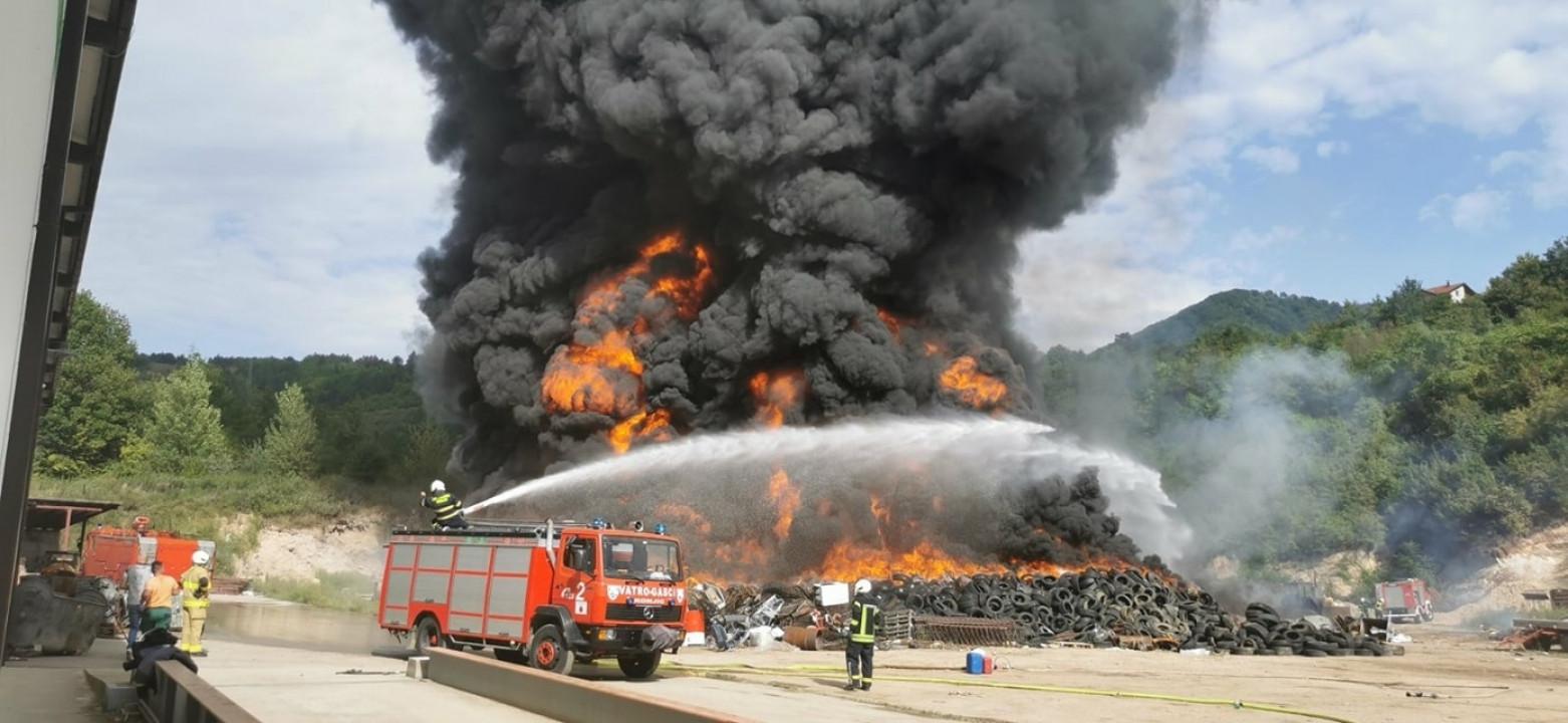Veliki požar na deponiji u Konjicu