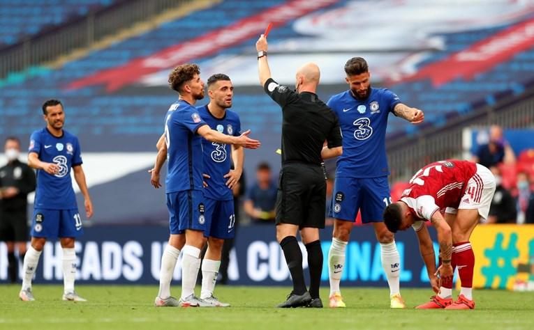 Aubameyang donio Arsenalu trofej, Kovačić dobio crveni karton