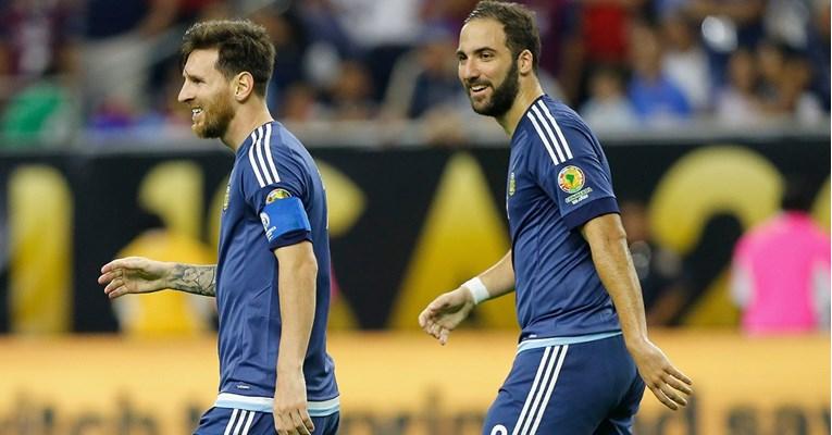 Higuain: Messi u Premiershipu? Tamo su stoperi kao ormari, samo će ga namlatiti