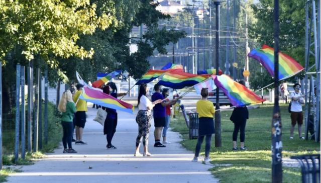 Pripadnici LGBT zajednice održali skup u Sarajevu, osiguravala ih policija