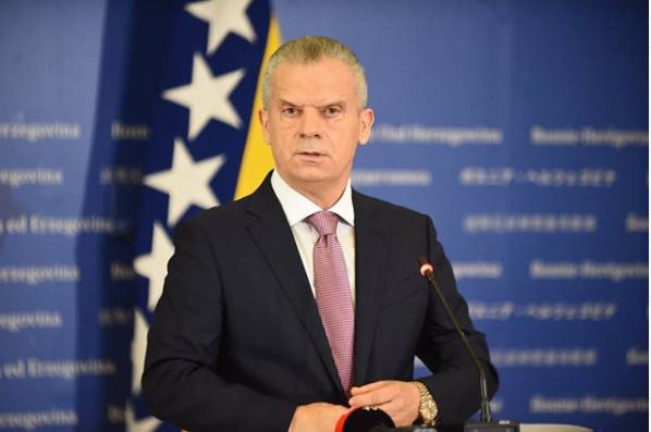 "Radončić oštro uzvratio Izetbegoviću: ""Rušim SDA-ove vlade u tri kantona"""