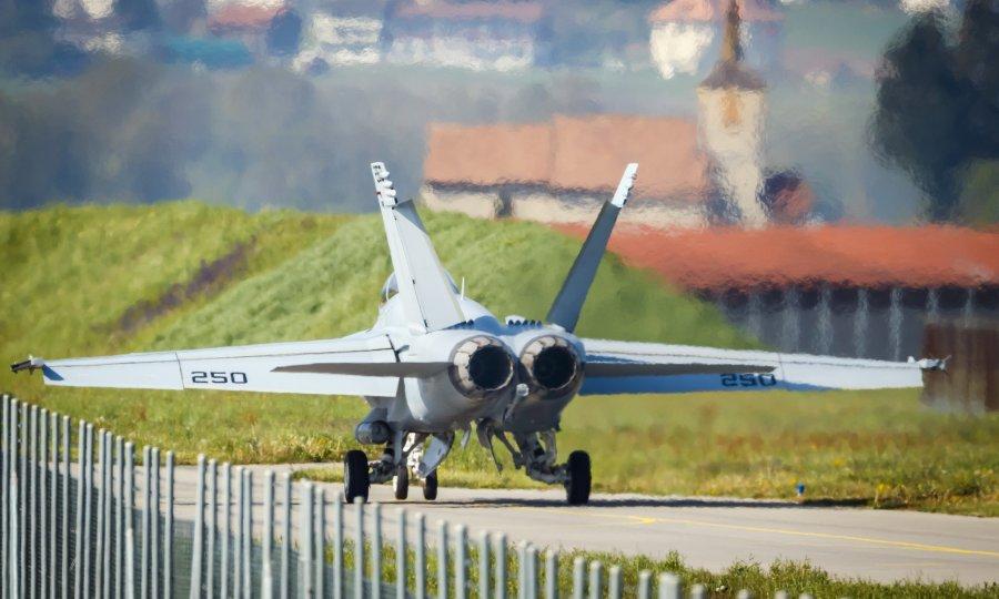 Švicarci se izjasnili: Žele borbene avione