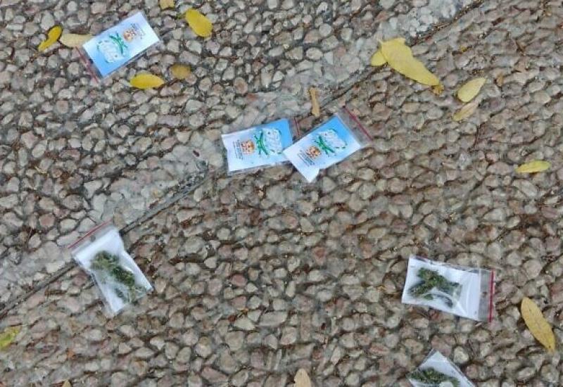 Vrećice marihuane padale s neba