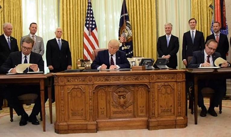 Trump, Vučić i Hoti potpisali sporazum Srbije i Kosova
