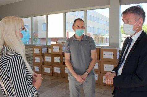 Veleposlanik Norveške darovao medicinsku opremu SKB-u Mostar