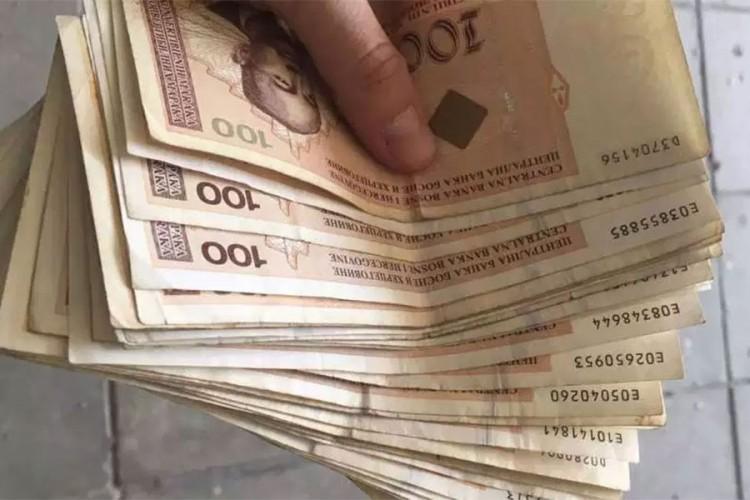 Kriza: Dijaspora poslala mnogo manje novca nego inače