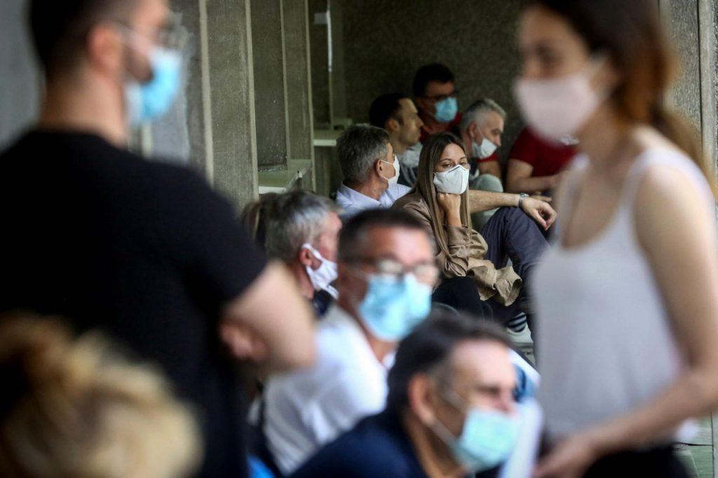 U BiH naglo skočio broj novozaraženih; velik broj i preminulih