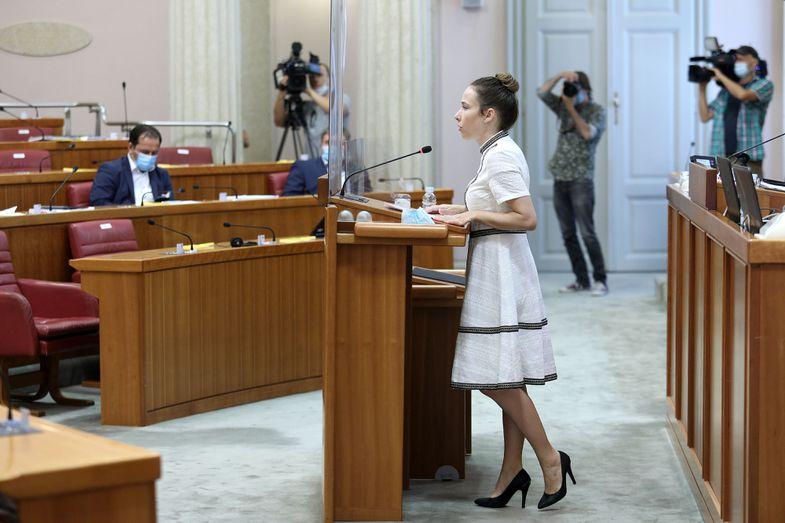 Selak Raspudić govorila o problemu nasilja nad ženama