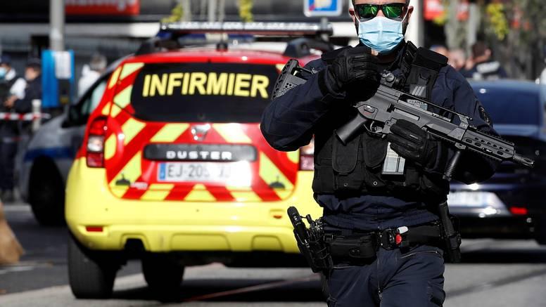 Ekstremni terorist u Europu došao na čamcu s migrantima, sve tri žrtve izbo u crkvi!