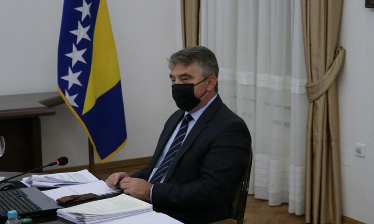 Gospon Komšić je nešto dosta nesuvislo pričao o Kosovu