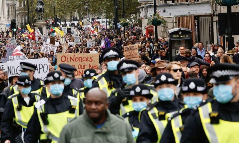 Tisuće ljudi prosvjedovalo protiv restriktivnih koronamjera