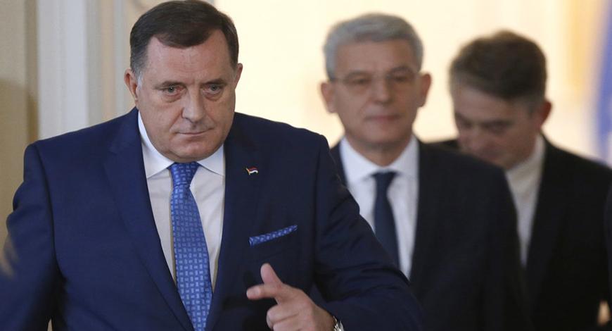 Kako je Dodik opet nadigrao oba bošnjačka člana Predsjedništva