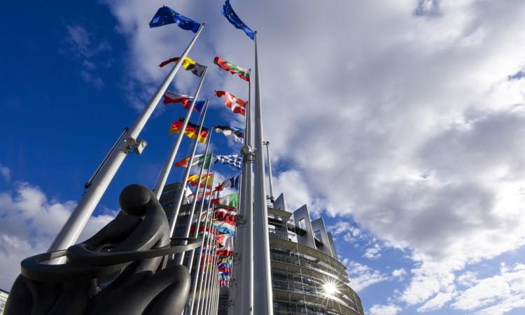 """Okrugli stol """"Konkretan razgovor: 14 prioriteta EU – s riječi na djela"""""""