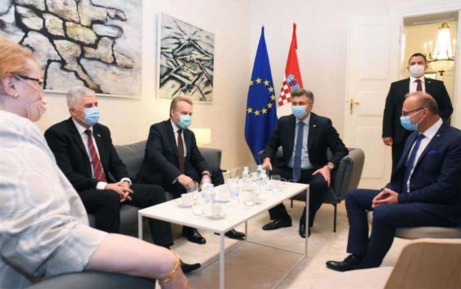 Hrvati u BiH: Kronika jednog nestanka