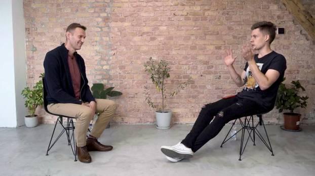 Navaljni smatra da je otrovan zbog izbora, smatraju ga prijetnjom