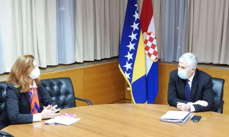Čović i Macdonald naglasili važnost mira, stabilnosti i dijaloga