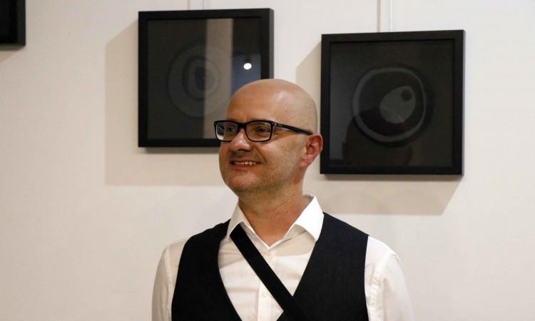 U Mostaru otvorena izložba Bol autora Josipa Mijića