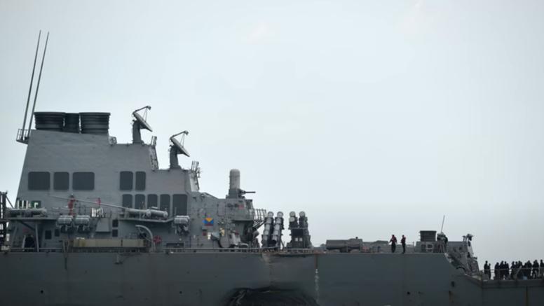 Rusi zatekli američki razarač u svojim vodama, protjerali su ih