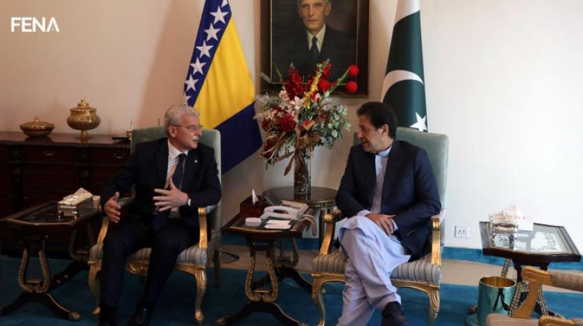 Džaferović i pakistanski premijer kritizirali Zapad: Stop vrijeđanju osjećaja muslimana