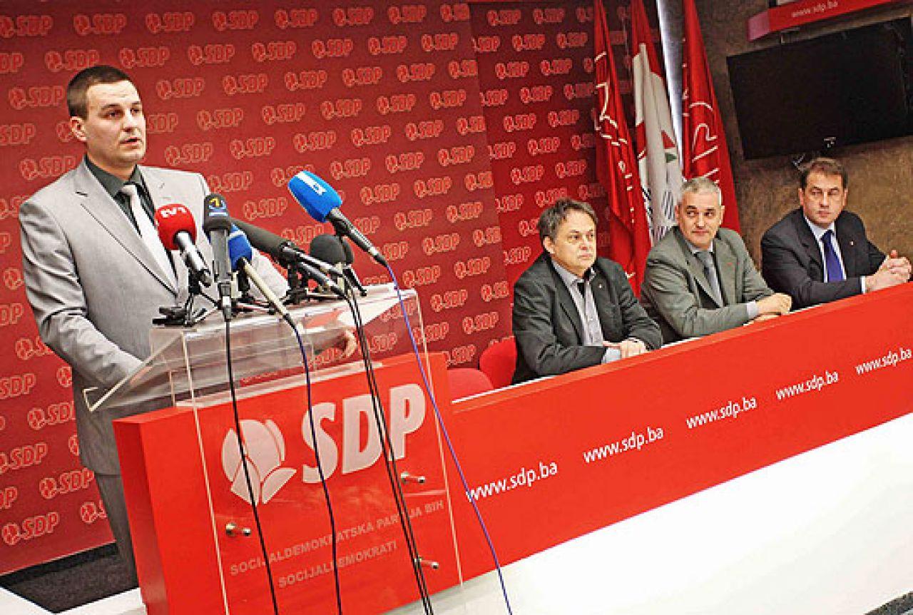 SDP kaže da je Izetbegović prodao Čoviću Mostar