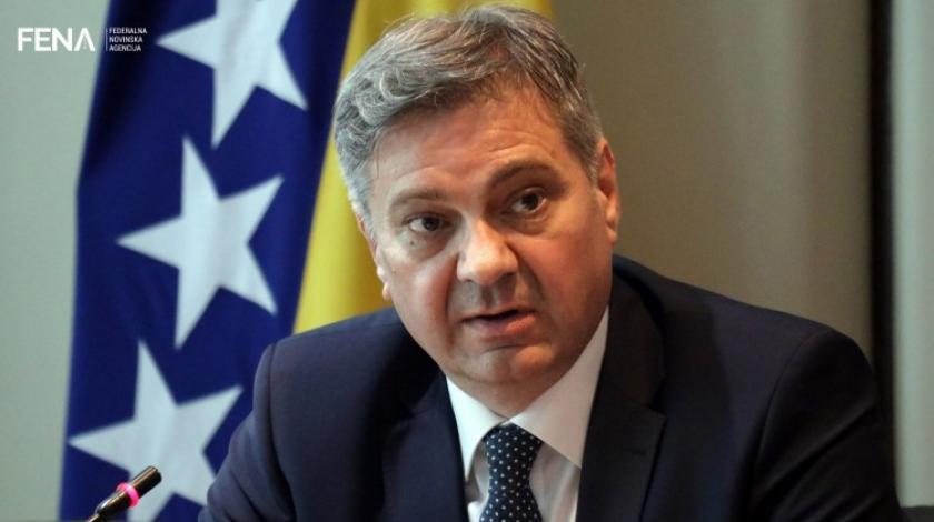 Denis Zvizdić se nije pojavio na sjednici Kolegija SDA: Što time poručuje?