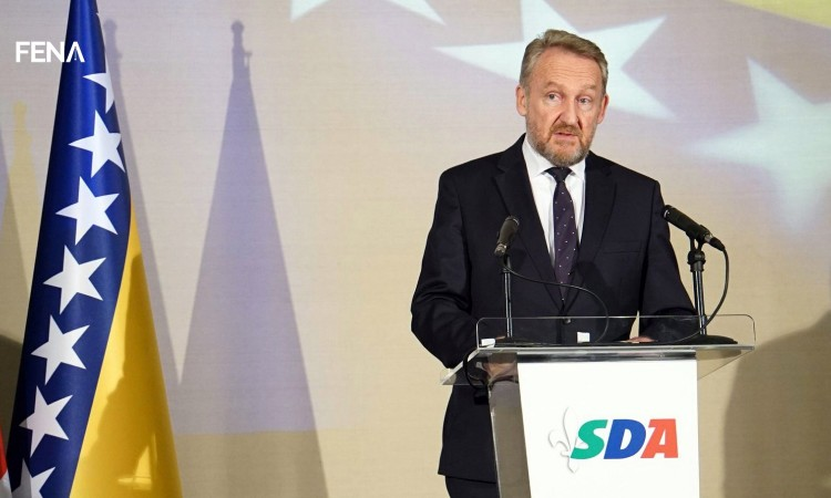 Bakir pljuvao Dodika, malo i Čovića, spomenuo i Milanovića